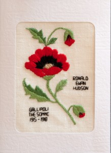 265 -1 Glenda Hudson - Flanders poppy with photo of relative (6047)